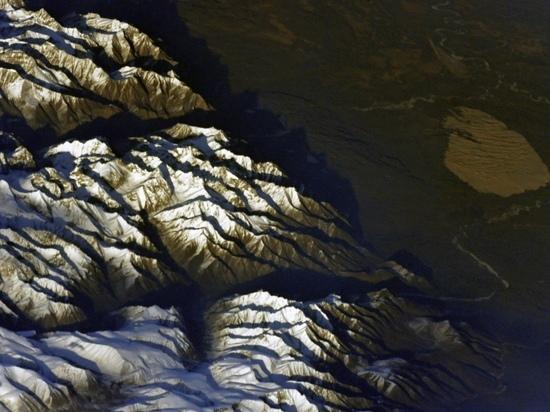 Космонавт опубликовал фото Чарских песков с МКС