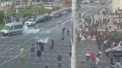 Марш в Минске разгоняют светошумовыми гранатами: кадры взрывов