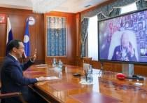 Глава Якутии поздравил участника Великой Отечественной войны со 100-летним юбилеем