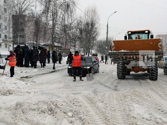 Дорожные службы Казани перешли на зимний режим работы