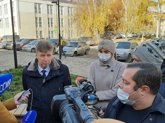 Загадочное молчание областного чиновника вызывает много вопросов
