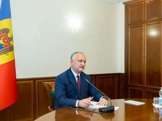 Додон о фейковых новостях, оппонентах, ударах по семье и вине из Садова