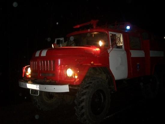 Ночью в Ивановской области сгорел большой дом - есть пострадавший