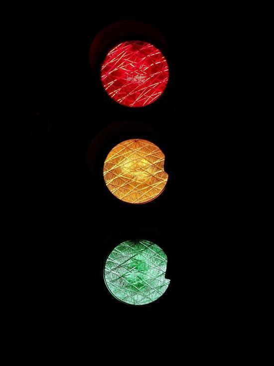 Первый в регионе умный светофор появится под Псковом