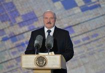 """Президент Белоруссии Александр Лукашенко рассказал, что жители страны, а особенно Минска, """"вдруг прозрели"""""""