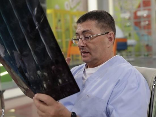 Главврач московской 71-й больницы, телеведущий Александр Мясников заявил, что уже несколько месяцев не является руководителем информационного центра федерального оперативного штаба по коронавирусу
