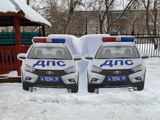 Картонные машины ДПС будут пугать псковских водителей