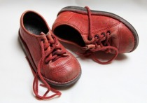 Детские ботинки не должны весить больше 220 граммов - к такому выводу пришел Минпромторг