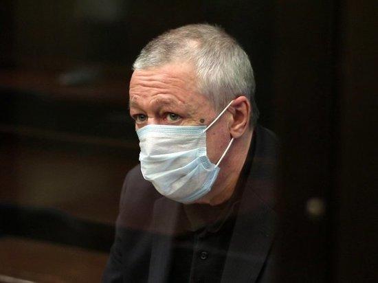 Осунувшийся, тихий, потухший - одним словом раскаявшийся актер Михаил Ефремов предстал перед публикой в Мосгорсуде, где 20 октября началось рассмотрение апелляционных жалоб на приговор Пресненского суда