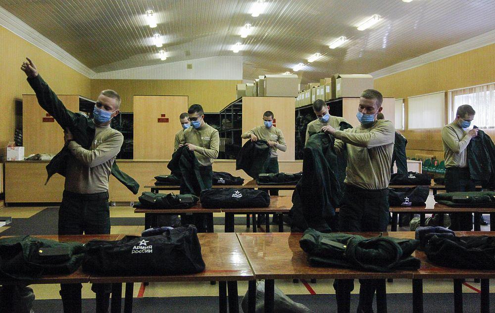 В Москве начался осенний призыв: коронавирус внес коррективы