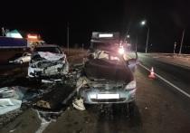 В Оренбургской области столкнулись «Лада» и «Форд», погиб пассажир отечественного автомобиля