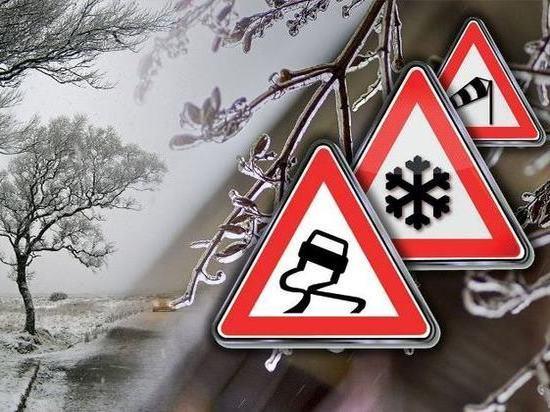 Как водителям избежать ДТП, рассказали псковские дорожники
