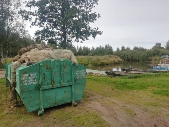 Затопленные сети вытащили из реки Великой и Псковского озера