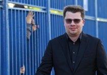 Актер, юморист, телеведущий, шоумен, певец и резидент Comedy Club Гарик Харламов в беседе с комиком Данилой Поперечным раскрыл причину развода с актрисой Кристиной Асмус