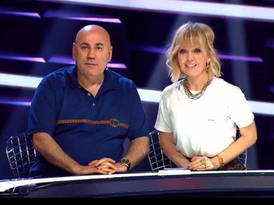 Певец Сергей Шнуров снова предпринял атаку на продюсера Иосифа Пригожина и его супругу певицу Валерию