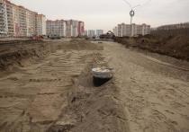 Новую дорогу на участке от дома № 95 на ул. Петухова до дома № 2 на ул. Николая Сотникова построили раньше срока.