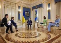 Владимир Зеленский накануне местных выборов на Украине решил  дать большое интервью избранным журналистам четырех телеканалов