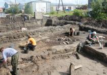 Артефакты с раскопок из Салехарда опубликовали в каталоге музея в Лондоне