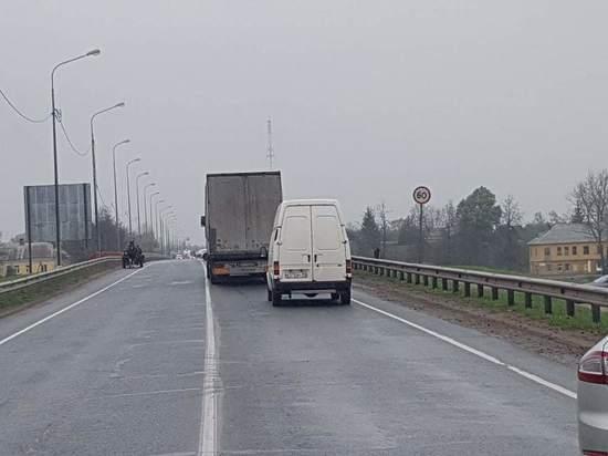 Мост в Острове закрыли из-за сигнала о минировании