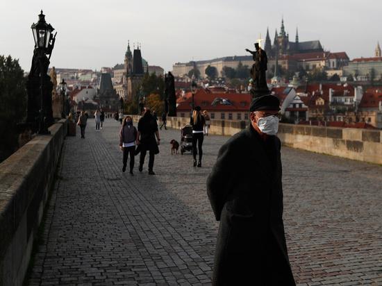 """Локдаун в Чехии грозит бунтом: """"Настроение у всех отвратительное"""""""