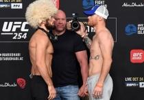 В субботу чемпион UFC в легком весе россиянин Хабиб Нурмагомедов вернется в октагон, чтобы сразится с опаснейшим нокаутером из США Джастином Гэтжи. Обладатель титула открылся явным фаворитом, но это не значит, что его ждет легкая прогулка. Американец опаснее Конора Макгрегора в стойке и является базовым борцом.