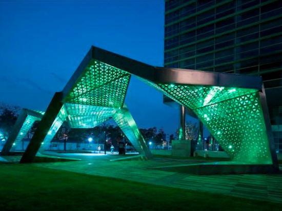 Сквер на улице Берзарина в скором времени превратят в прогулочный парк с фонтаном и сценой для выступлений