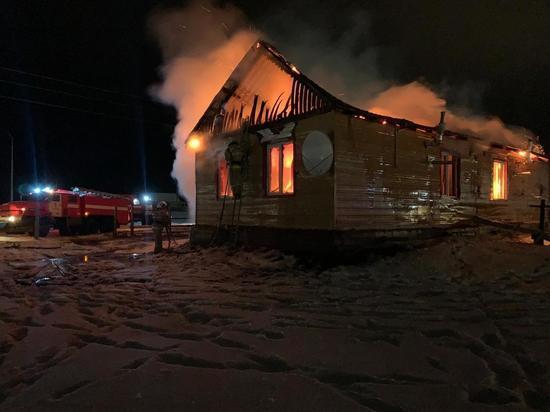 По факту гибели женщины и детей на пожаре в Намском районе возбуждено уголовное дело