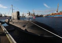 Главнокомандующий Военно-морским флотом адмирал Николай Евменов рассказал об основных отличиях неатомных подводных лодок проекта 636