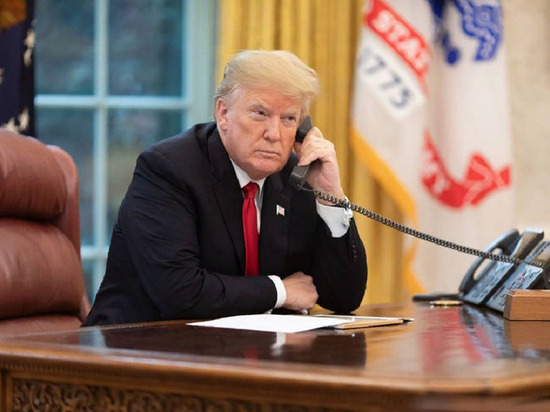 Президент США Дональд Трамп подверг критике британского комика Сашу Барона Коэна, известного по роли журналиста из Казахстана Бората Сагдиева в псевдодокументальном фильме