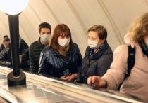 Руководитель ЛОР-клиники, кандидат медицинских наук, врач высшей категории Владимир Зайцев рассказал, что многие россияне неправильно пользуются медицинскими масками, что приводит к их заражению коронавирусом