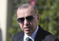 Эрдоган разбушевался: посоветовал Макрону проверить психику, обвинил Германию в фашизме