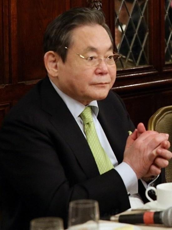 Дети скончавшегося главы Samsung заплатят миллиардные налоги на наследство