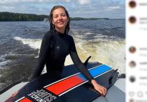 Алеся Кафельникова  - модель, дочь известного теннисиста Евгения Кафельникова, опубликовала фотографии с празднования своего дня рождения, которое отмечает 23 октября