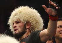 Хабиб Нурмагомедов на турнире UFC 254 одержал победу над американцем Джастином Гэтжи и объявил о завершении карьеры
