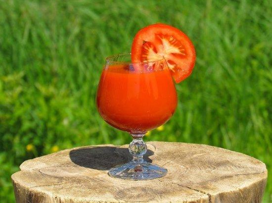 Ученые открыли неожиданное полезное свойство томатного сока