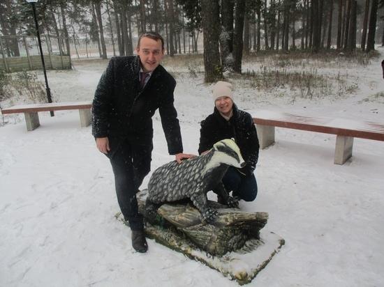 В Шенкурске открыт памятник символу района – барсуку