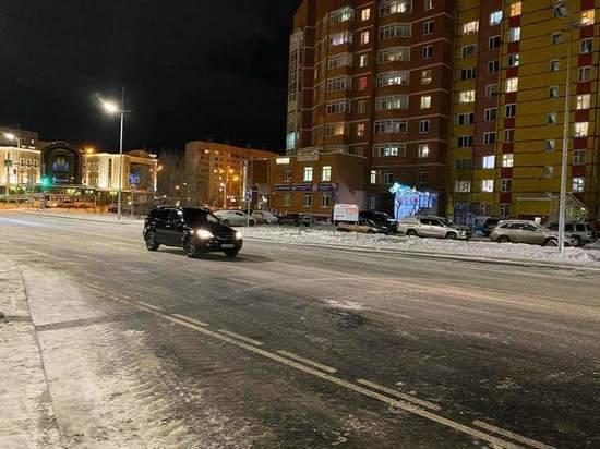 Улицу Подшибякина в Новом Уренгое открыли после капремонта