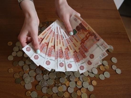 Два иностранца расплачивались фальшивыми деньгами в аптеках Волгограда