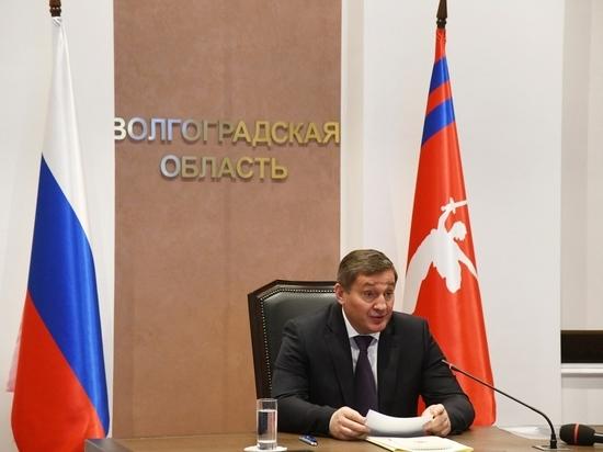 Часть вузов и школ Волгоградской области переведут на дистанционку