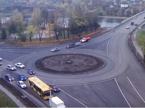 Площадь в Пскове отремонтировали в рекордные сроки