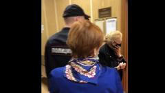Разжившаяся имуществом Баталова Дрожжина появилась на видео в суде