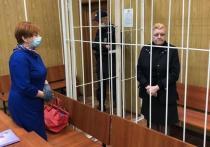 Следствие не стало ходатайствовать о заключении под стражу актрисы Натальи Дрожжиной, обвиняемой в мошенничестве с недвижимостью и народного артиста СССР Алексея Баталова и имуществом, которое принадлежало его семье
