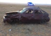 На дорогах Калмыкии двое погибли, шестнадцать человек пострадали