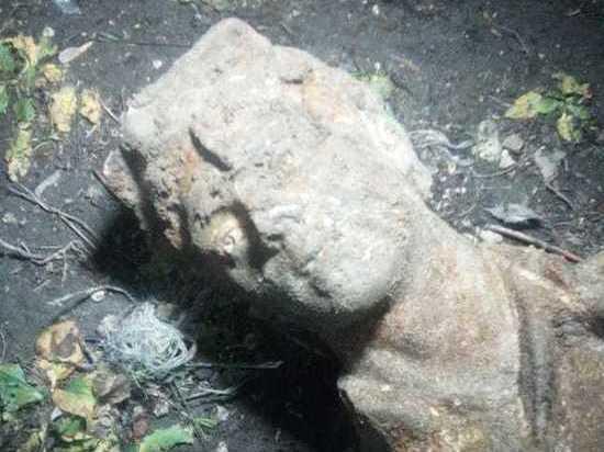 На берегу Оки в Рязани археологи нашли фрагменты скульптур