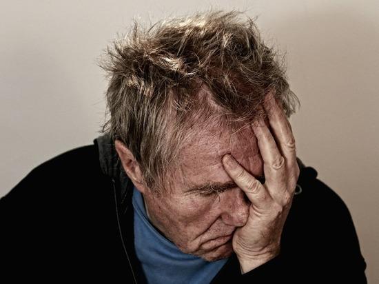 Коронавирус вызывает «мозговой туман», который может нанести психический ущерб, аналогичный старению разума за десятилетие, утверждают исследователи
