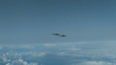 Минобороны показало кадры сопровождения французских истребителей над Черным морем