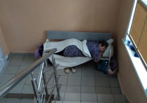 Главврач Центральной районной больницы Куйбышева Андрей Никитин объяснил ситуацию с размещением больных на лестничных пролетах инфекционного отделения