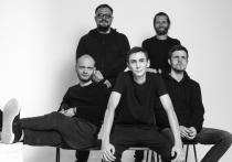 К интервью с лидером «Дайте танк (!)» Дмитрием Мозжухиным планировалось добавить впечатления от концертной презентации их нового альбома «Человеко-часы»