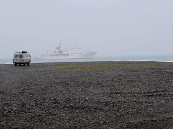 """Ученые обнаружили свидетельства того, что замороженные залежи метана в Северном Ледовитом океане – известные как """"спящие гиганты углеродного цикла"""" – начали высвобождаться на большой площади континентального склона, сообщает The Guardian"""