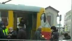 """В Барнауле """"антимасочники"""" остановили движение трамваев: кадры флешмоба"""